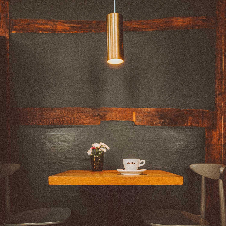 roestbar-zuhause-kaffeehäuser-theater-detail3